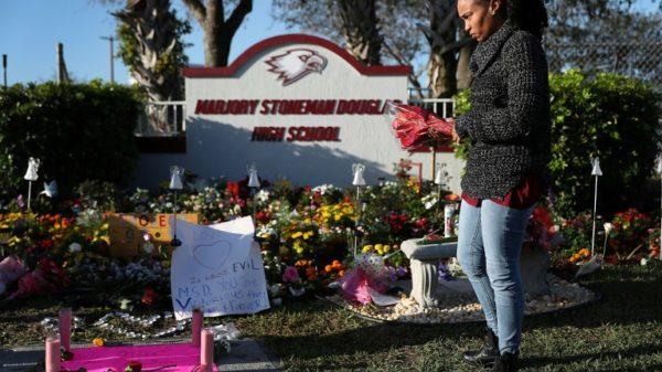 In US, children return to school -- but so do the guns