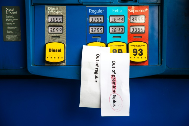 Panic buying shuts down US gas stations as pipelines begin to reopen