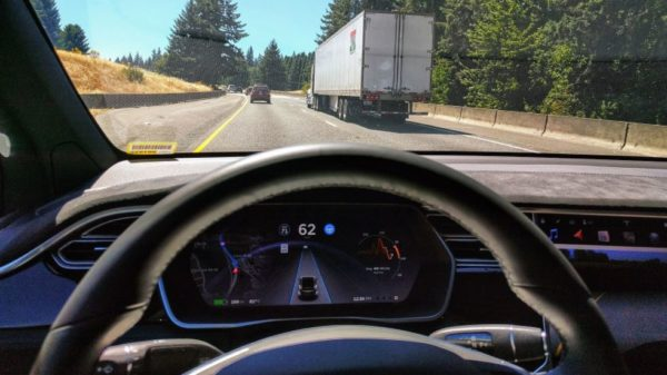 Dangerous and totally stupid trend - Driverless Tesla videos on social media