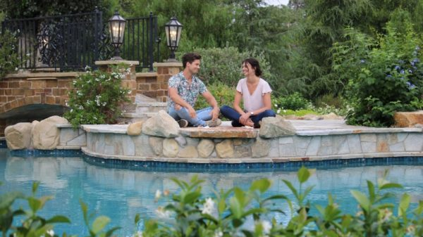 Kasey Landoll and Travis Burns in 'Save The Wedding'