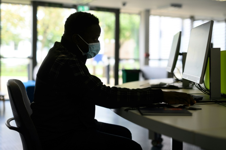 Working 55-hour week increases risk of death: UN