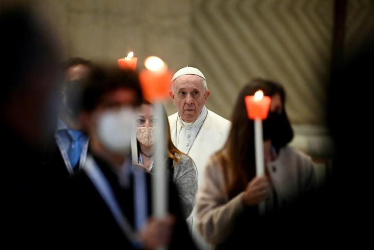 Pope embarks on prayer 'marathon' against Covid