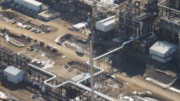 Canadian oil sands producers form alliance to achieve net-zero emissions by 2050