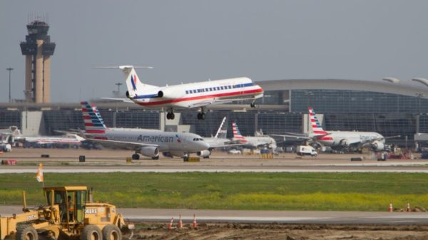 American Airlines cuts flights by 1 percent as it works to return to normal