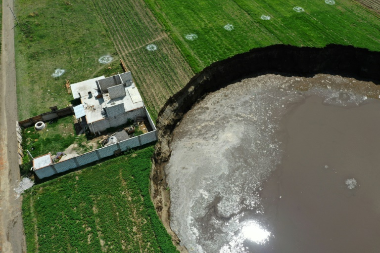 Huge sinkhole threatens to swallow Mexican home
