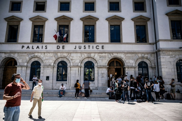 Jail term sought for man who slapped Macron