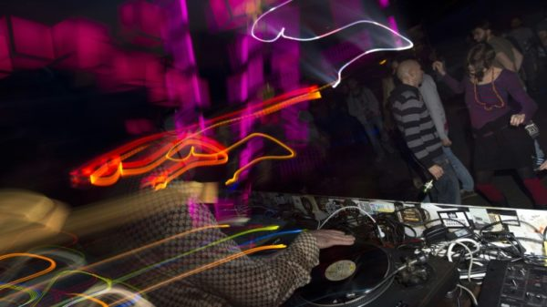 Dancing like there's no corona: first German nightclub reopens