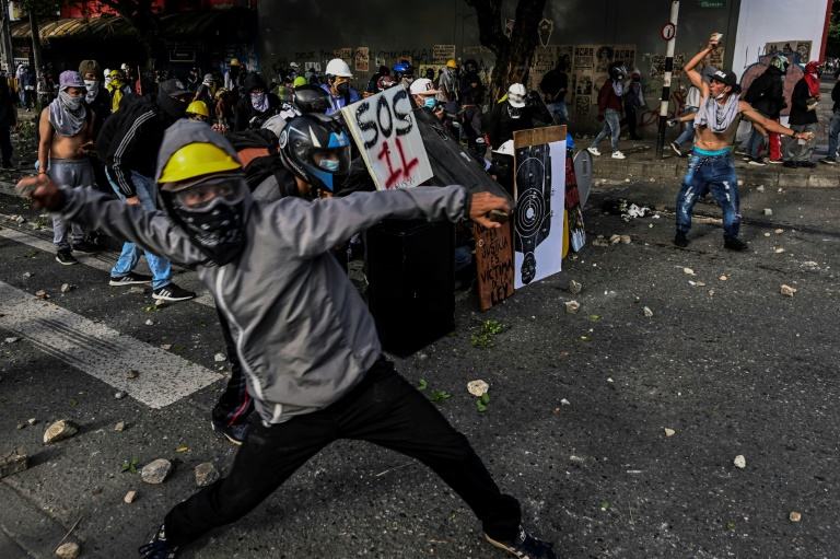 Dozens arrested in fresh Colombia protests: police