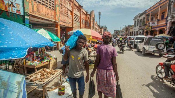 10 days later, Haiti earthquake victims struggle to cope
