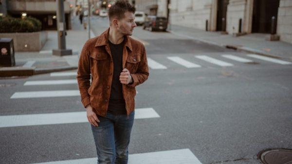 Singer-songwriter Justin Fabus