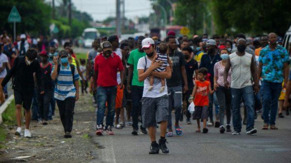 10,000 migrants, many Haitian, packed under Texas bridge