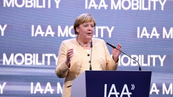 Merkel says car industry can be part of climate 'solution'