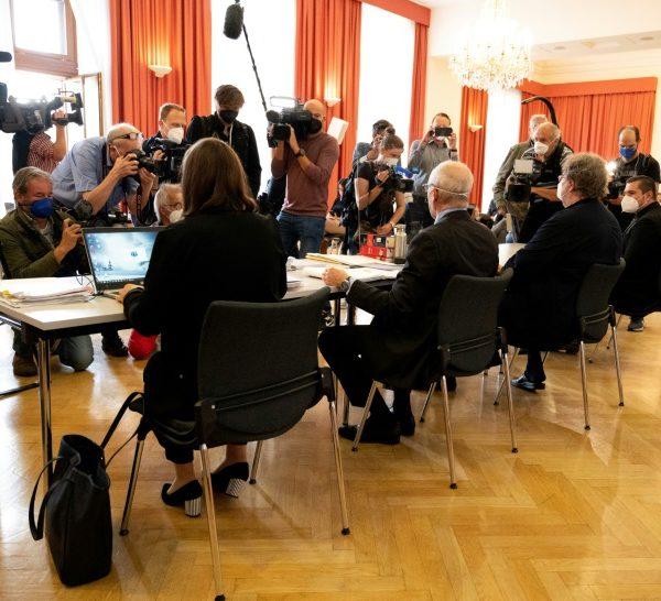 Austria hears first lawsuit over ski resort Covid outbreak