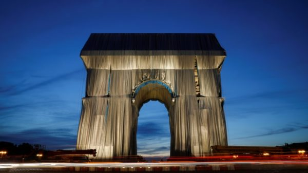 'Really alive': France unveils wrapped Arc de Triomphe