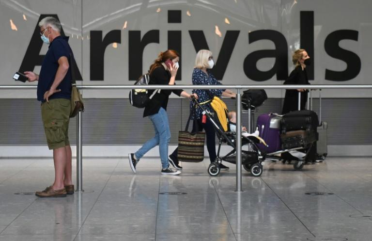 England, Scotland ease Covid travel curbs