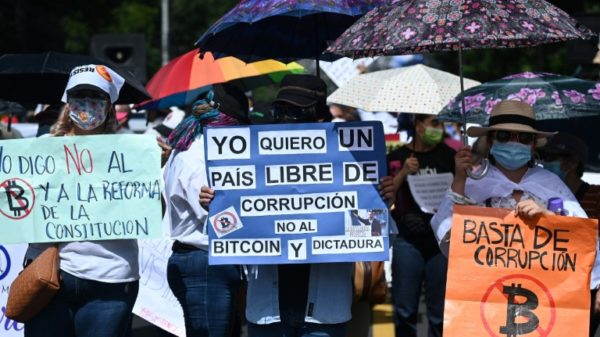 Salvadorans march against bitcoin and 'dictatorship'