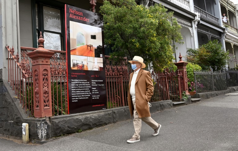 IMF warns Australia on surging home prices