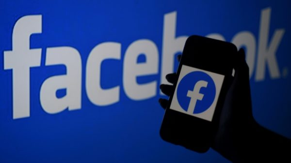 Facebook says will pay French press for news