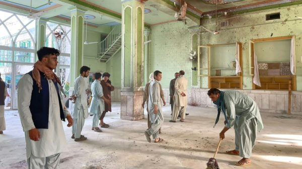 IS claims deadly suicide attack on Shiite mosque in Afghanistan's Kandahar