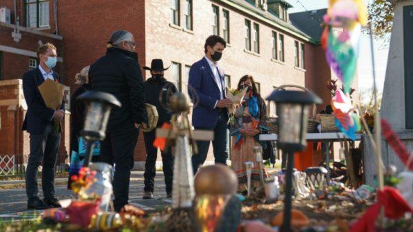 Canadian PM visits indigenous school graves