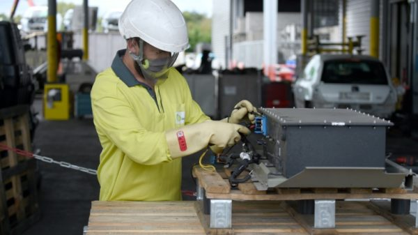Auto sector shifts gear towards recycling parts, batteries