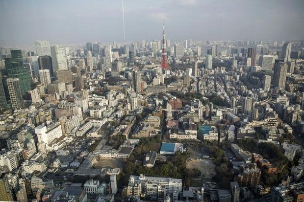 By law  Japan offers comparatively generous parental leave
