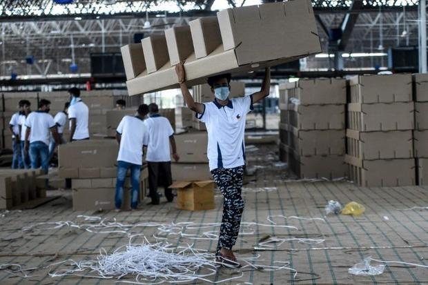 India is deploying thousands of beds made of cardboard to makeshift medical facilities as it struggl...