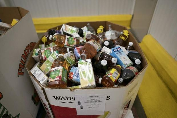 There are fewer donations of food