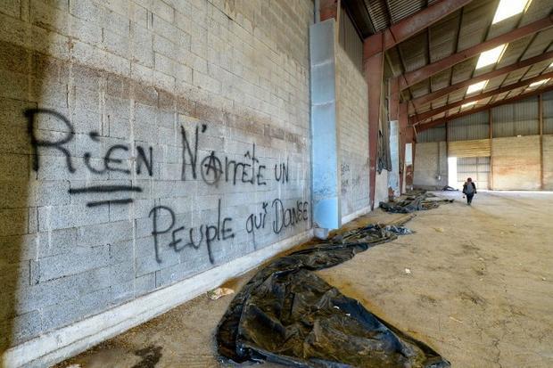 Graffiti reading