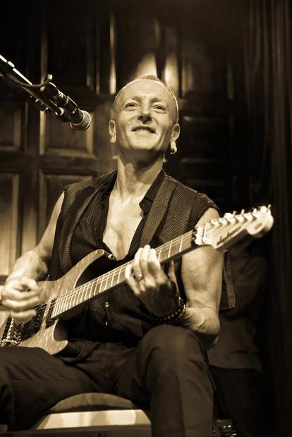 Phil Collen playing with Delta Deep