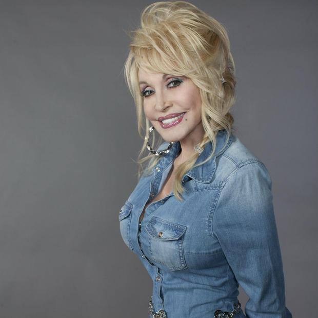 Dolly Parton releases new  Blue Smoke  CD