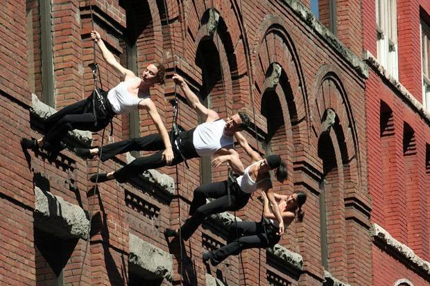 Aeriosa performance on the walls of Water Street building in Gastown  Vancouver International Jazz F...