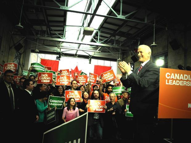 Jack Layton thanking the crowd after his speech.